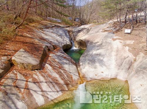 [크기변환]0804 2. 관광진흥과 - 문경의 올 여름 휴가 키워드, 세이프케이션 (3) 용추계곡.jpg